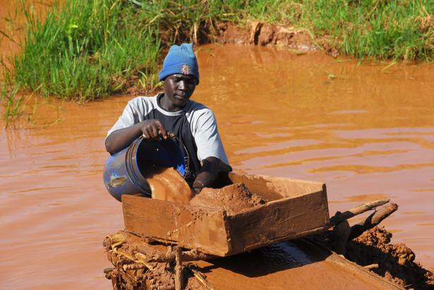 Po ujawnieniu raportu Amnesty International wszystkie wymienione w nim firmy zaprzeczyły, by miały cokolwiek wspólnego z minerałami konfliktu.