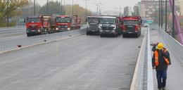 Ciężarówki wjechały na most Łazienkowski