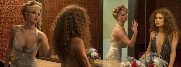 """""""American Hustle"""" NAJLEPSZY FILM - KOMEDIA LUB MUSICAL Jennifer Lawrence - NAJLEPSZA AKTORKA DRUGOPLANOWA W FILMIE KINOWYM Amy Adams - NAJLEPSZA AKTORKA PIERWSZOPLANOWA W KOMEDII LUB MUSICALU"""