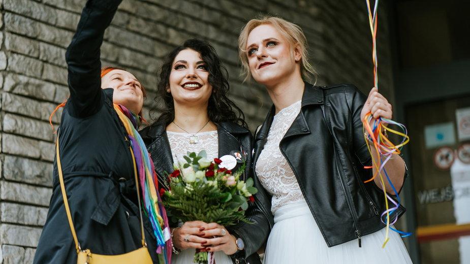 Kasia i Aleksa wzięły tęczowy ślub, który jest zgodny z polskim prawem