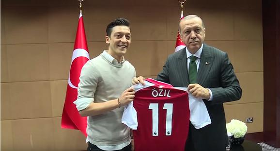 Mesut Ozil i Erdogan se sreli neposredno pred Mundijal