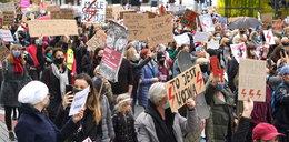 Rząd przestraszył się protestujących?!