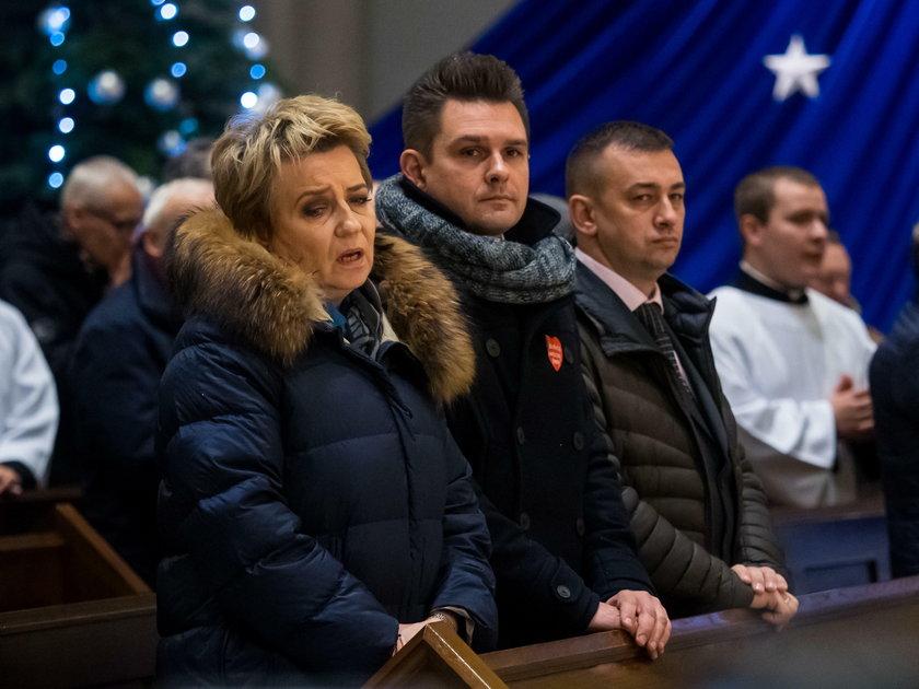 Arcybiskup Łodzi modlił się za duszę Pawła Adamowicza