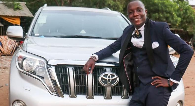 Radio Maisha's Mbaruk Mwalimu acquires brand new Car (Photos)