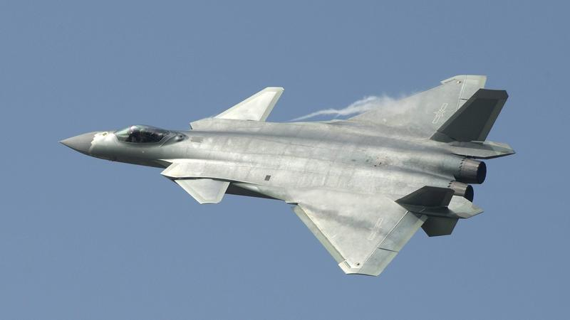 CHINA ZHUHAI AIRSHOW (China's new J-20 stealth fighter unveiled at Zhuhai airshow)