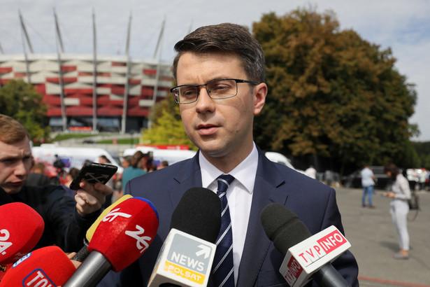 Myślę, że głosowanie nad projektem ustawy, który wprowadza odpowiedzialność dyscyplinarną sędziów, odbędzie się na najbliższym posiedzeniu Sejmu - poinformował rzecznik rządu Piotr Müller