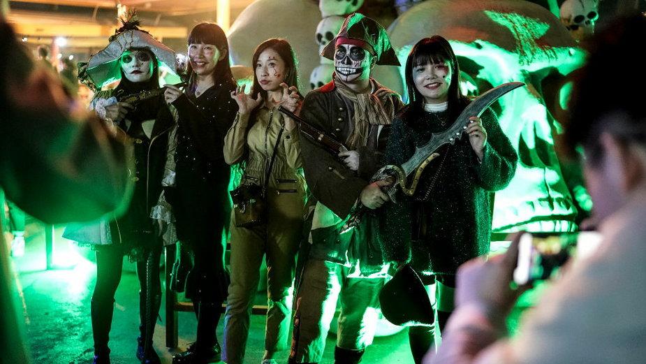 Mieszkańcy Wuhan tłumnie świętowali Halloween