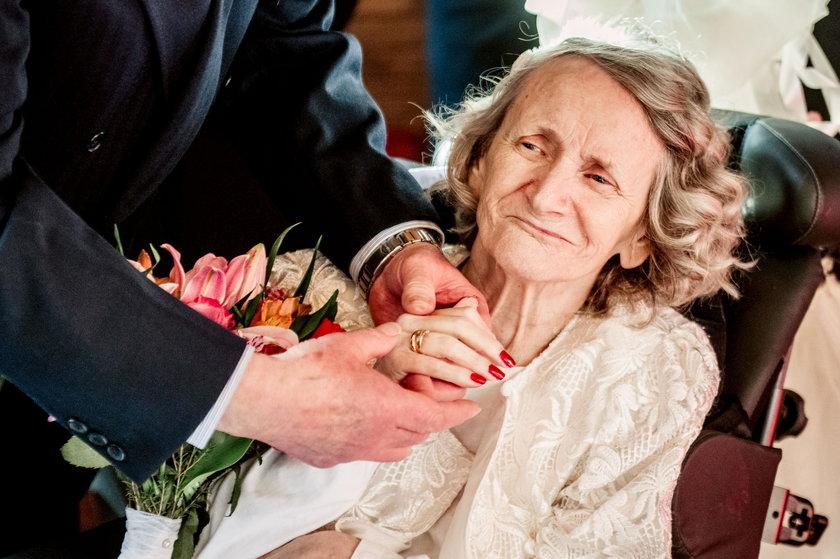 Anglia: Od ponad 40 lat oświadczał się ukochanej. W końcu wzięli ślub