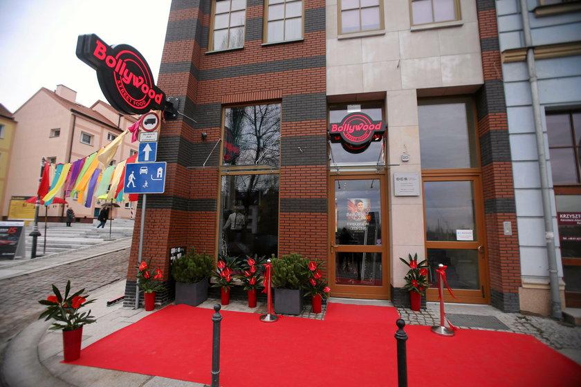 Ktoś rozlał kwas w restauracji gwiazdy Bollywood w Szczecinie