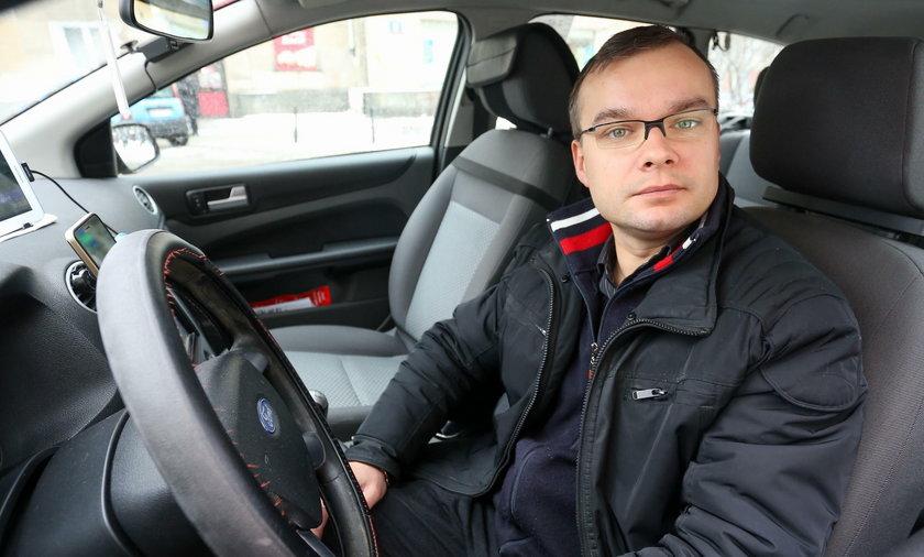 Artur Bachan (34 l.) jest zadowolony z pomysłu, ponieważ jako taksówkarz mógłby dodatkowo zarobić
