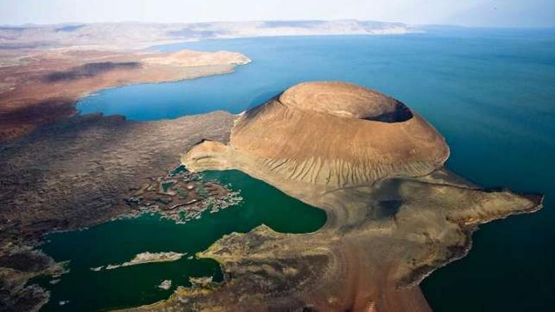 Here's why you need to visit Turkana not Mombasa this holiday (aaatravelafrica.)
