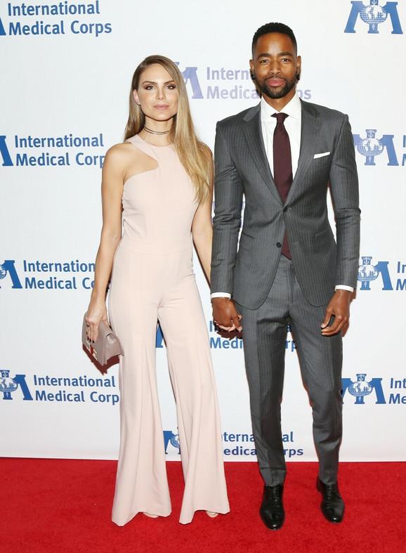 Nina i Džej nedavno su prošetali crvenim tepihom u Los Anđelesu
