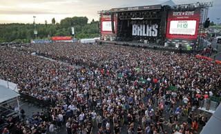 Niemcy: Wznowiono festiwal 'Rock am Ring'. Zagrożenie niepotwierdzone