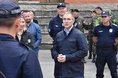 """Stefanović: """"Hoćemo policiju koja će osigurati mirne ulice"""""""