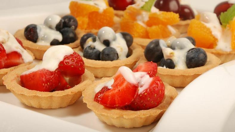 Babeczki owocami z jogurtem