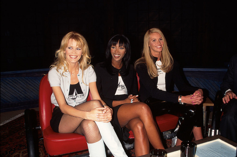 Claudia Schiffer, Naomi Campbell i Elle MacPherson w 2000 roku