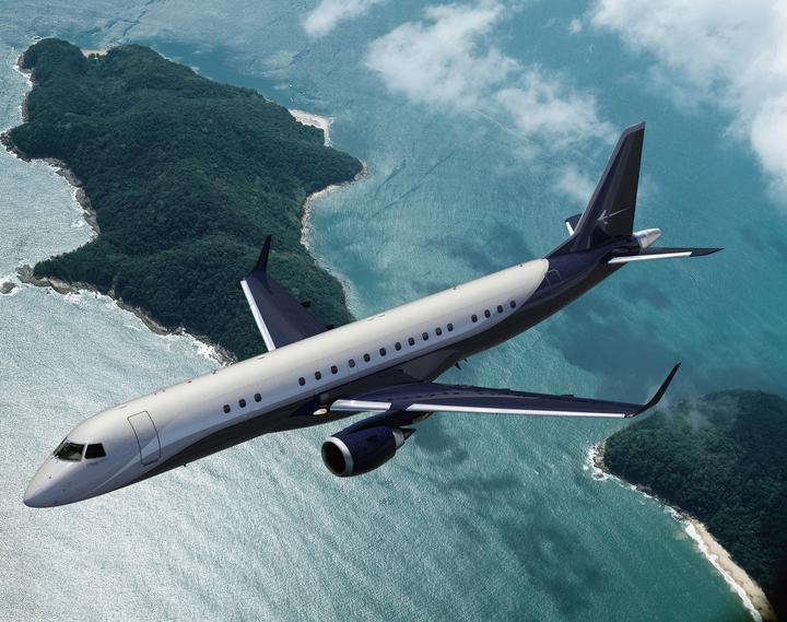 W wersji dla biznesu mieści od 13 do 19 pasażerów. W obu wariantach samolot ma długość 36 metrów i rozpiętość skrzydeł prawie 29 metrów.