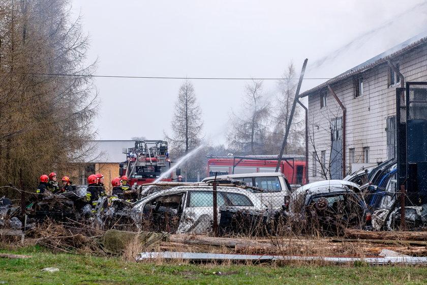 Na Złotnie płonął warsztat samochodowy