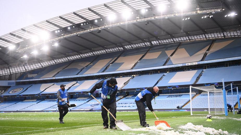 Śnieg podczas meczu Manchesteru City z PSG
