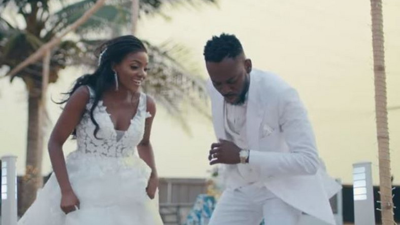 Adekunle Gold and Simi prolonged the release of their wedding memories to the displeasure of fans.