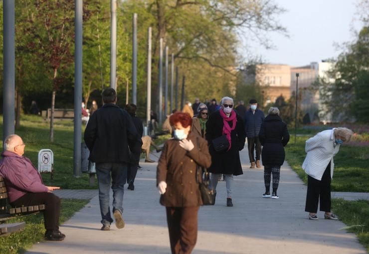 penzioneri šetnja