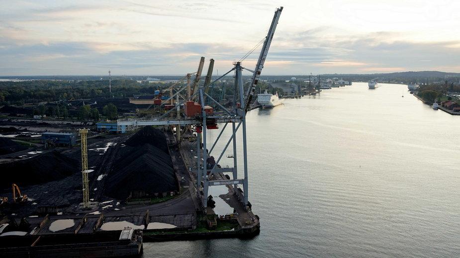 Widok na port w Świnoujściu