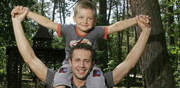 """Jako mały chłopiec wcielał się w rolę Krzysia Ziobera w """"M jak miłość"""". Jak dziś wygląda Wojciech Traczyński?"""