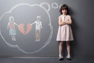 Dziecko już nie zostaje przy matce. Przy rozwodzie częściej patrzy się na dobro dziecka