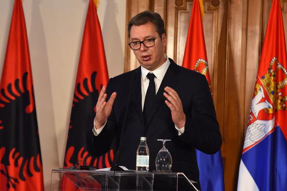Vučić je istakao kako je cilj putovati bez pasoša