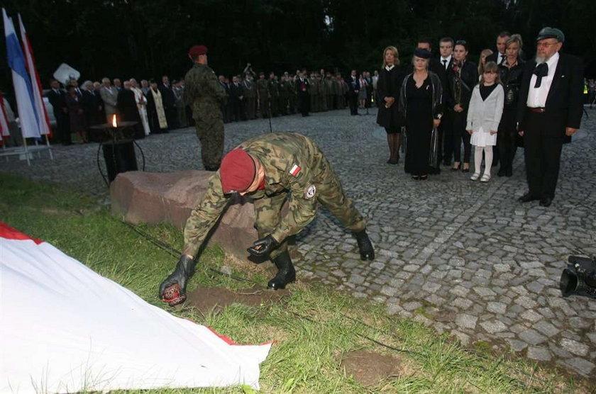 katastrofa prezydenckiego samolotu, Kraków, Kopiec Piłsudskiego, ziemia, Smoleńsk
