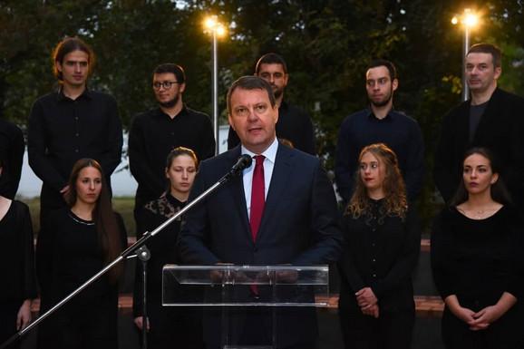 Predsednik Pokrajinske vlade Igor Mirović otvorio izložbu
