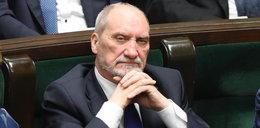 Antoni Macierewicz przeprasza posłanki. O co poszło?