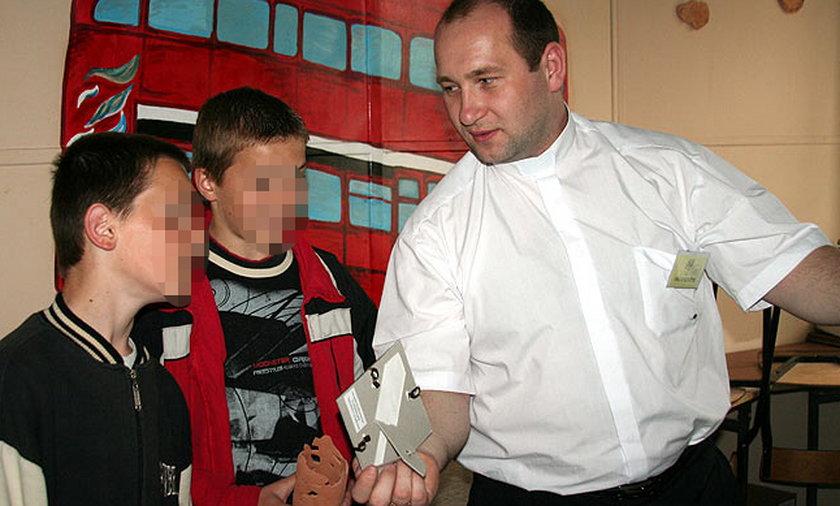 Ksiądz pedofil Wojciech Gil