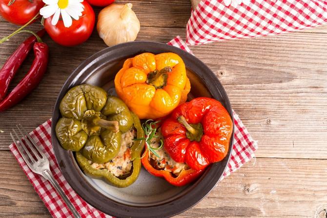 Ima li ukusnijeg,  a zdravijeg ručka od punjenih paprika?