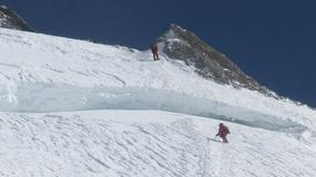 Wyprawa zimowa PZA na Broad Peak: zdobywcy spędzili noc na 7400 i 7900 m; nie ma kontaktu z Berbeką i Kowalskim