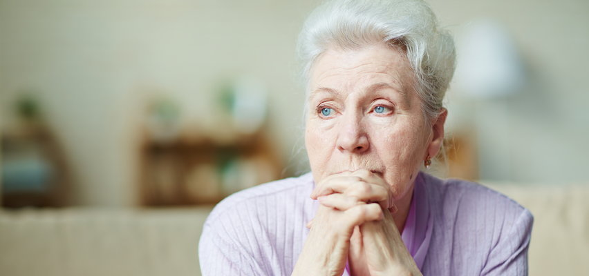 Emerytury bez podatku dla milionów seniorów zagrożone? Jest problem. Eksperci alarmują