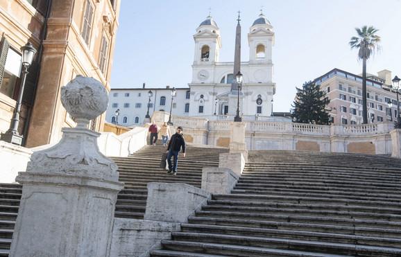 Italija se već drugi dan nalazi u potpunoj izolaciji