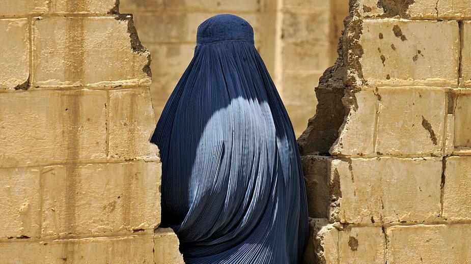 Życie kobiet w Kabulu po przejęciu władzy przez talibów