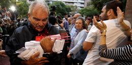 Dantejskie sceny w Katalonii! Ponad 800 osób rannych