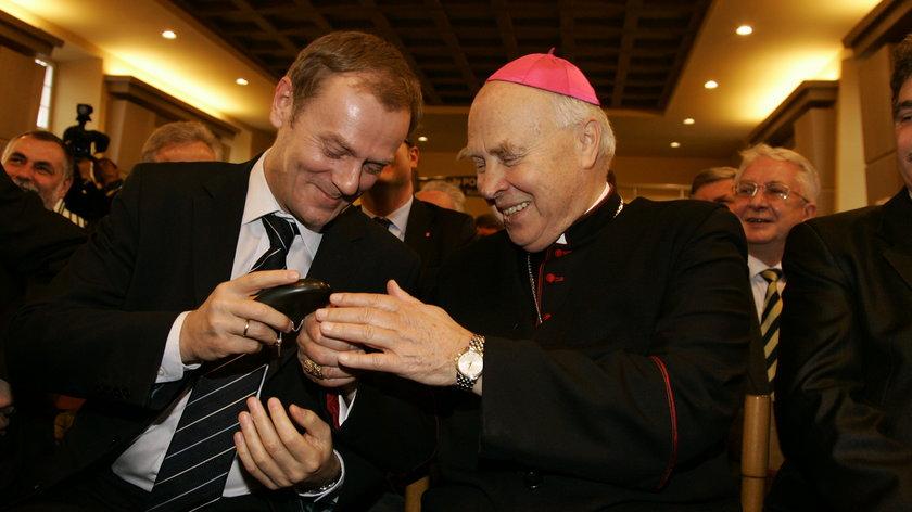 Arcybiskup Tadeusz Gocłowski i Donald Tusk