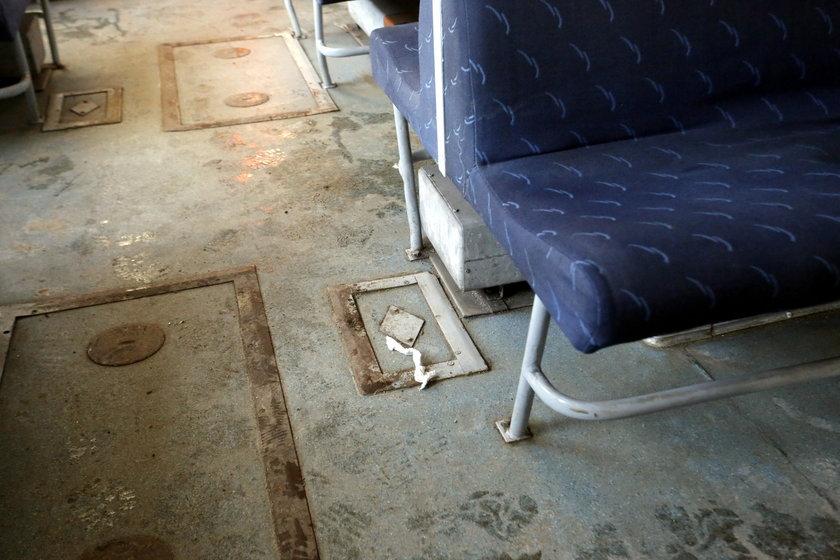 Pasażerowie SKM biją na alarm: w pociągach jest brudno