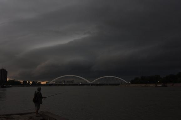Oblaci nad Novim Sadom juče