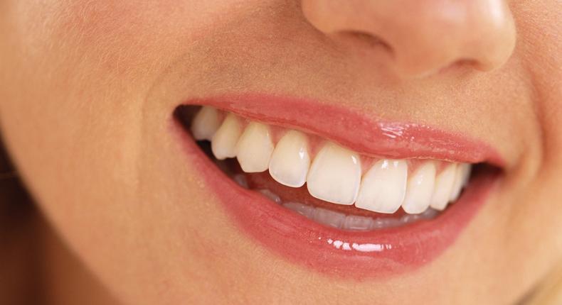 Snow teeth whitening