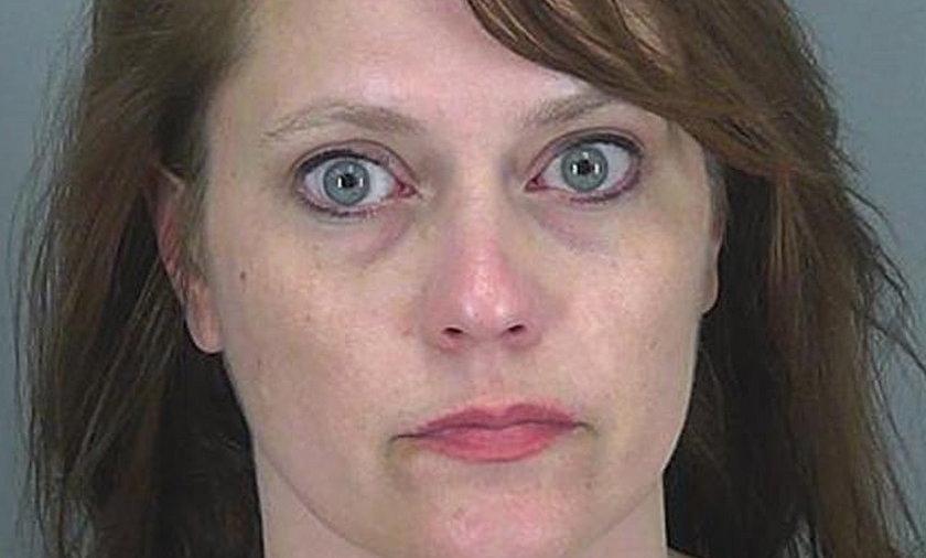 Zabiła dziecko, karmiąc je piersią