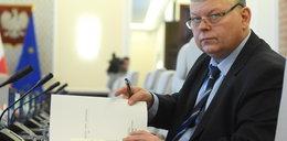 Minister oskarża sędziów, że mają... złoto zakopane w ogródkach