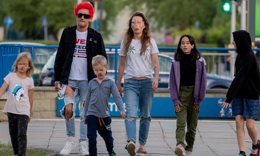 Michał Wiśniewski z nową dziewczyną i dziećmi