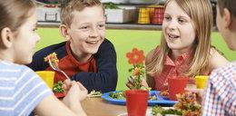 Rząd chce zlikwidować obiady dla dzieci. Za drogo