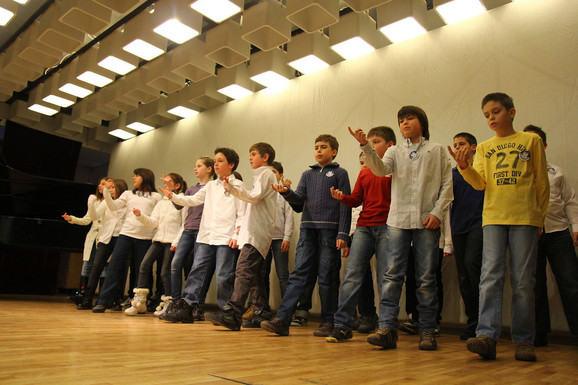 U finalnom takmičenju nastupilo je 250 učenika