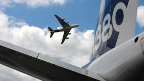 Na pokładzie samolotu wybuchła przenośna ładowarka. Pasażerowie zostali ewakuowani [WIDEO]