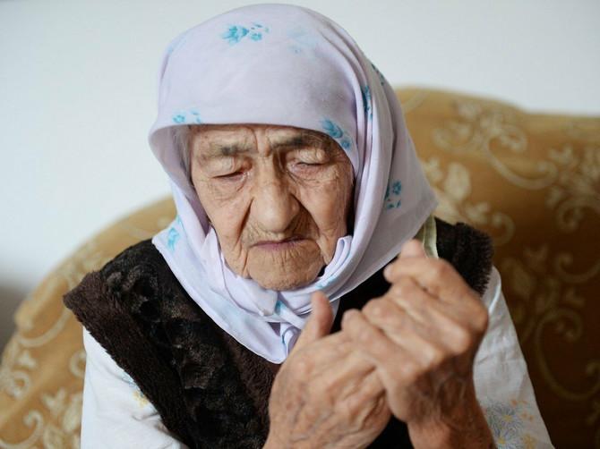 """""""Prvog juna punim 129 godina i to mi je NAJVEĆA KAZNA"""": Baka nije imala ni jedan jedini srećan dan, a žali samo zbog jedne stvari"""